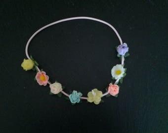 Elastic headband with multicolored flowers