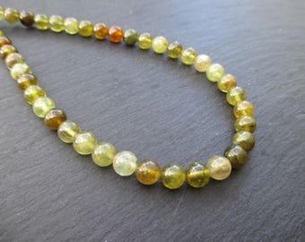 Green garnet: 8 round beads 6 mm