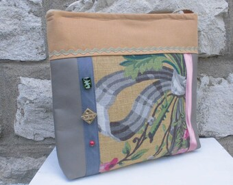 The cat-fun taupe/pink fancy romantic shoulder bag
