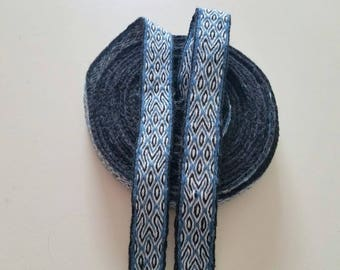 Galon cards,  fine wool, sold to 4 inch length. 0,94 inch wide.