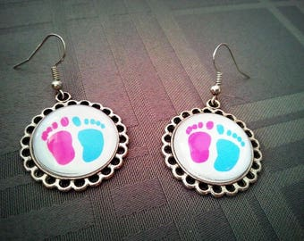 Fancy little feet, cabochon glass 20mm, small motifs earrings blue and pink feet