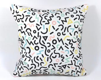 Cushion cover 40 x 40 cm - geometric graphic writing. Cotton and confetti