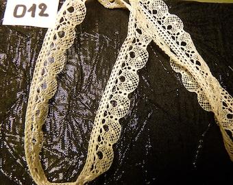 Mechanical lace old style bobbin lace