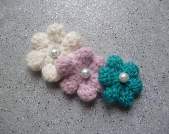 3 flowers crocheted wool beige, blue, pink
