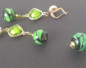 Set pendant and earrings