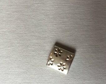 Rectangular beads