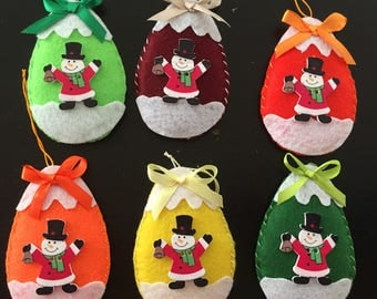 a set of 6 balls hang on the Christmas tree, Christmas decoration, snow man