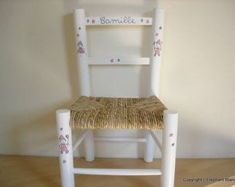 White straw Chair to the child's name