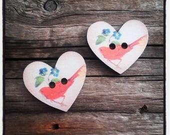 set of 2 buttons wood heart 27 x 25 mm red birds