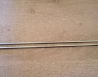 Needles 4.5 long plastic