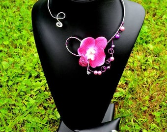 """""""RAVENA"""" set with necklace & bracelet with small fuchsia Orchid"""