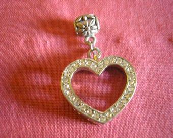 Embossed silver metal Rhinestone Heart pendant