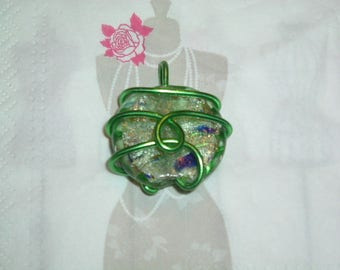 Puck green molten glass and silver/aluminum wire, powder Green