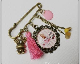 Retro brooch pin, glass cabochon, vet, rabbit