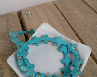 Beads Turquoise / howlite - turquoise cross - x 5
