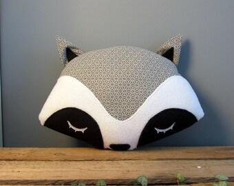 Raccoon pillow geometric stars