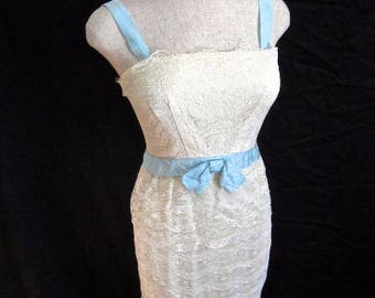 S 50s 60s White Lace Blue Bow Gown Dress Wiggle Sheath Cocktail Marilyn Sexy Small Mid Century Evening Prom Small