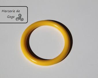 Baby toy teething ring. YELLOW