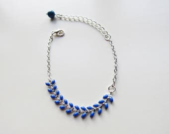 Bracelet chain spike blue Klein and silver chain.