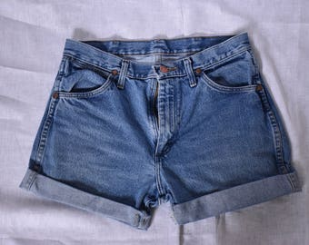 "Wrangler Vintage High Waist Cuffed Denim Shorts Waist 29"""