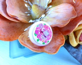 Ring adjustable pink floral buttons