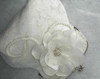 off-white lace, flower Lampwork pouch