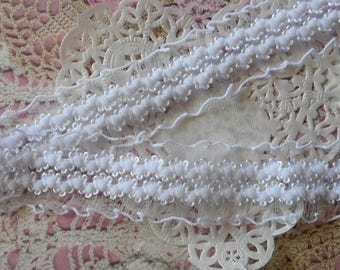 White organza embroidered and gathered and elastic polyester 2.50 cm width lace