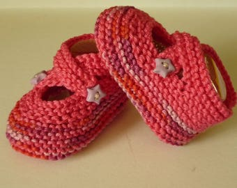 baby booties lined Fuchsia cotton straps