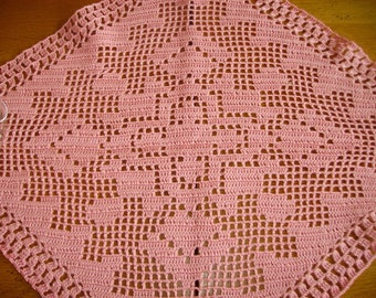 Doily shaped geometric old rose color