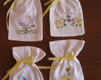 Set of 4 embroidered bag by hand (N51)