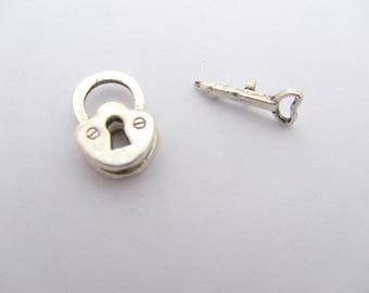 Padlock with key Toggle clasp