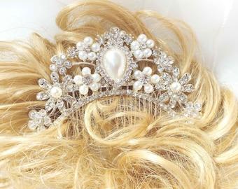 Wedding Pearl and rhinestone hair comb