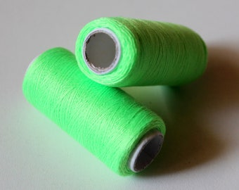 x 1 spool of thread - 215 m - neon green - Couture jewellery weave