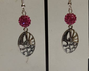Shamballa fuschsia and openwork oval earrings
