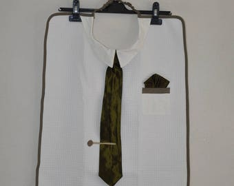 Adult bib with olive green tie for men