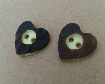 Heart shaped plastic way buttons two-tone wood. Set of 2