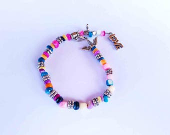 A nice unique colorful pearl bracelet