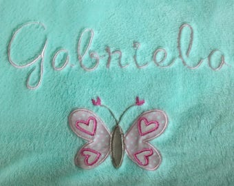 fleece blanket baby embroidered name and pink butterfly
