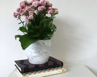 Marble effect pot // planter // vase // desk organiser //