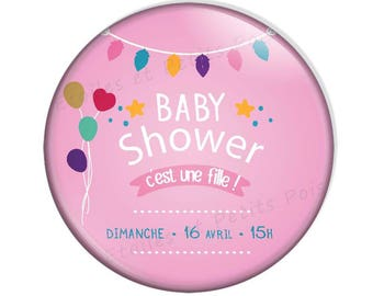 """Magnet Baby Shower feathers background pink """"It's a girl"""""""
