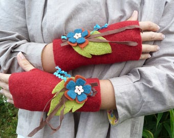 Boiled wool mittens decorated