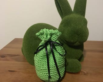 T Makes Treasure crochet pouch - lime green
