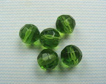 Set of 5 Green 8mm faceted Czech glass beads