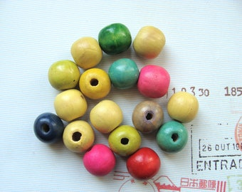 Set no. 6 17 20mm round wood beads