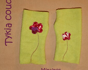 Green fleece flowers fuschia mittens