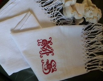 Vintage embroidered towel - monogrammed MS