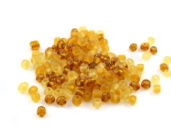10 gr large orange yellow 4mm glass seed beads / MPERRO001