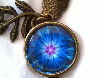 Bracelet bronzecabochon these wonderful petals of blue you take your breath away. A true wonder