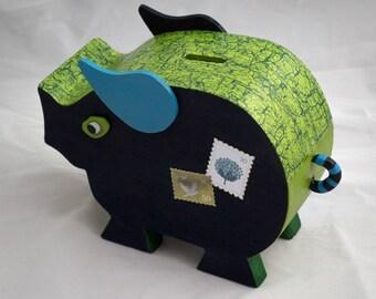 Pig piggy bank for children