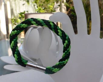 "Bracelet macramé ""spring freshness"""